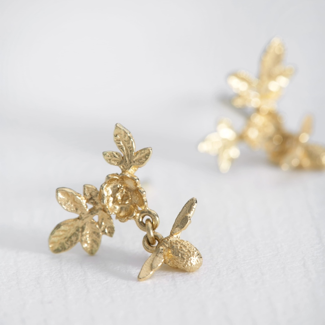 e63b964ee2a80 Alex Monroe Teeny Tiny 18carat Yellow Gold Floral Cluster Stud Earrings  with Bee Drops